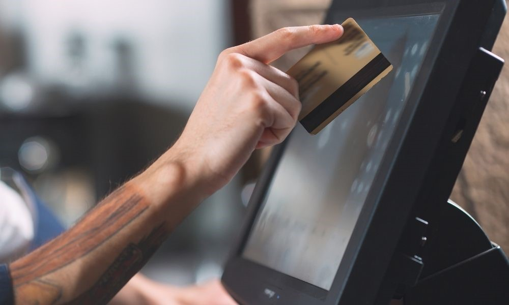How POS Systems Can Speed up Checkout Times