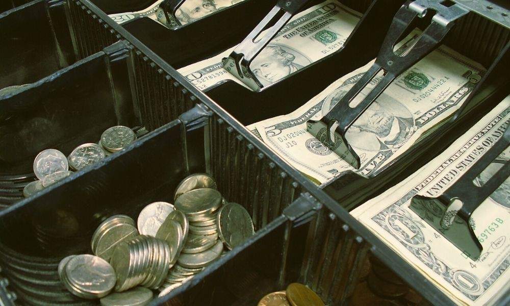 Essential Tips for Balancing Your Cash Register